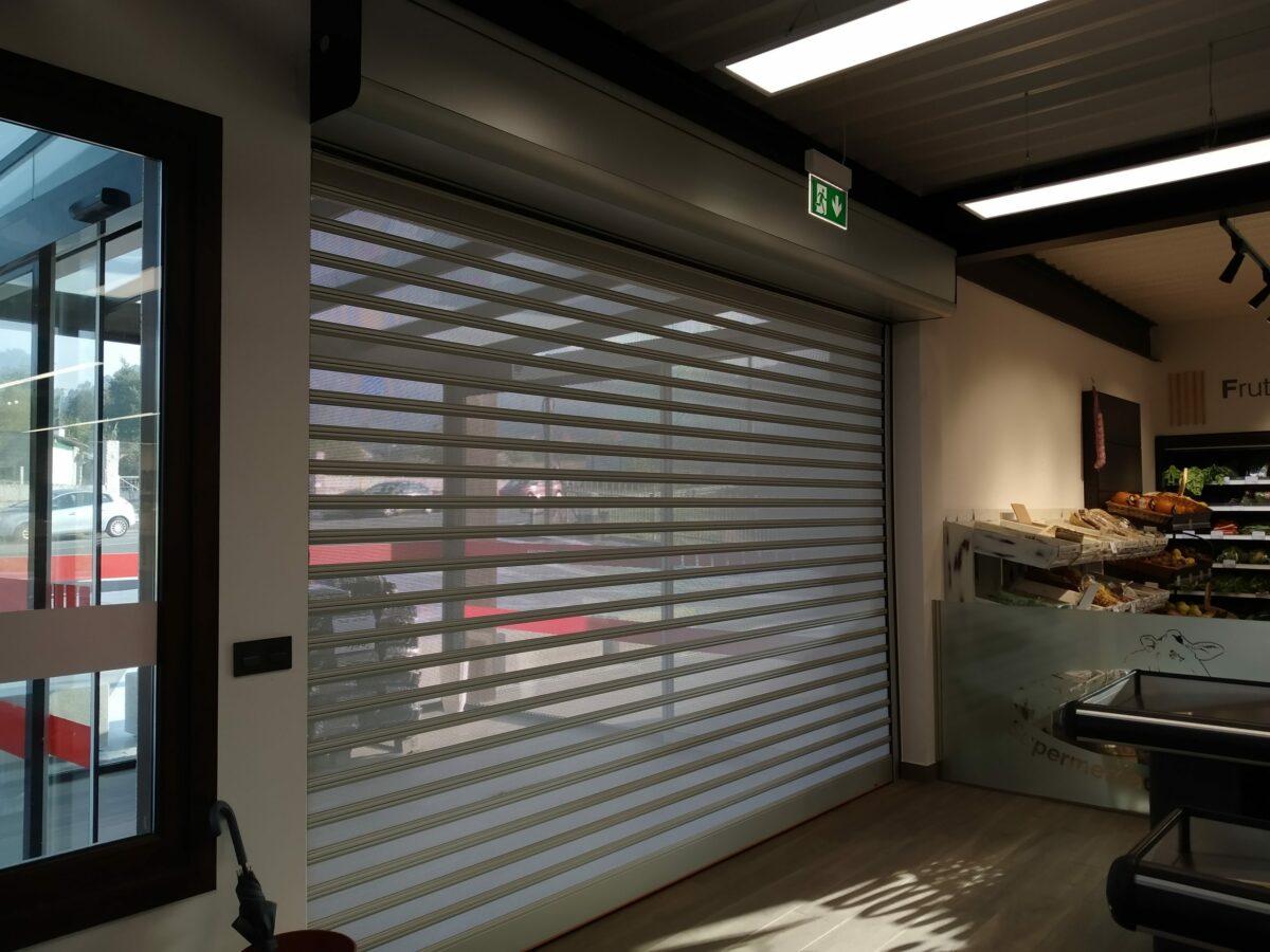 Vista interior persiana Collbaix Microbaix con cajón de aluminio