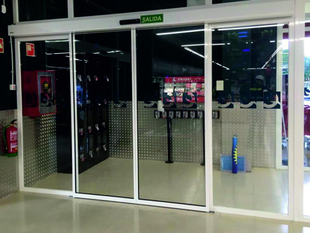 Puerta de cristal Geze