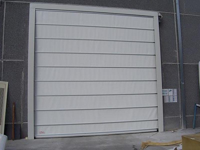 Puerta rápida plegable industrial Apilflex 322