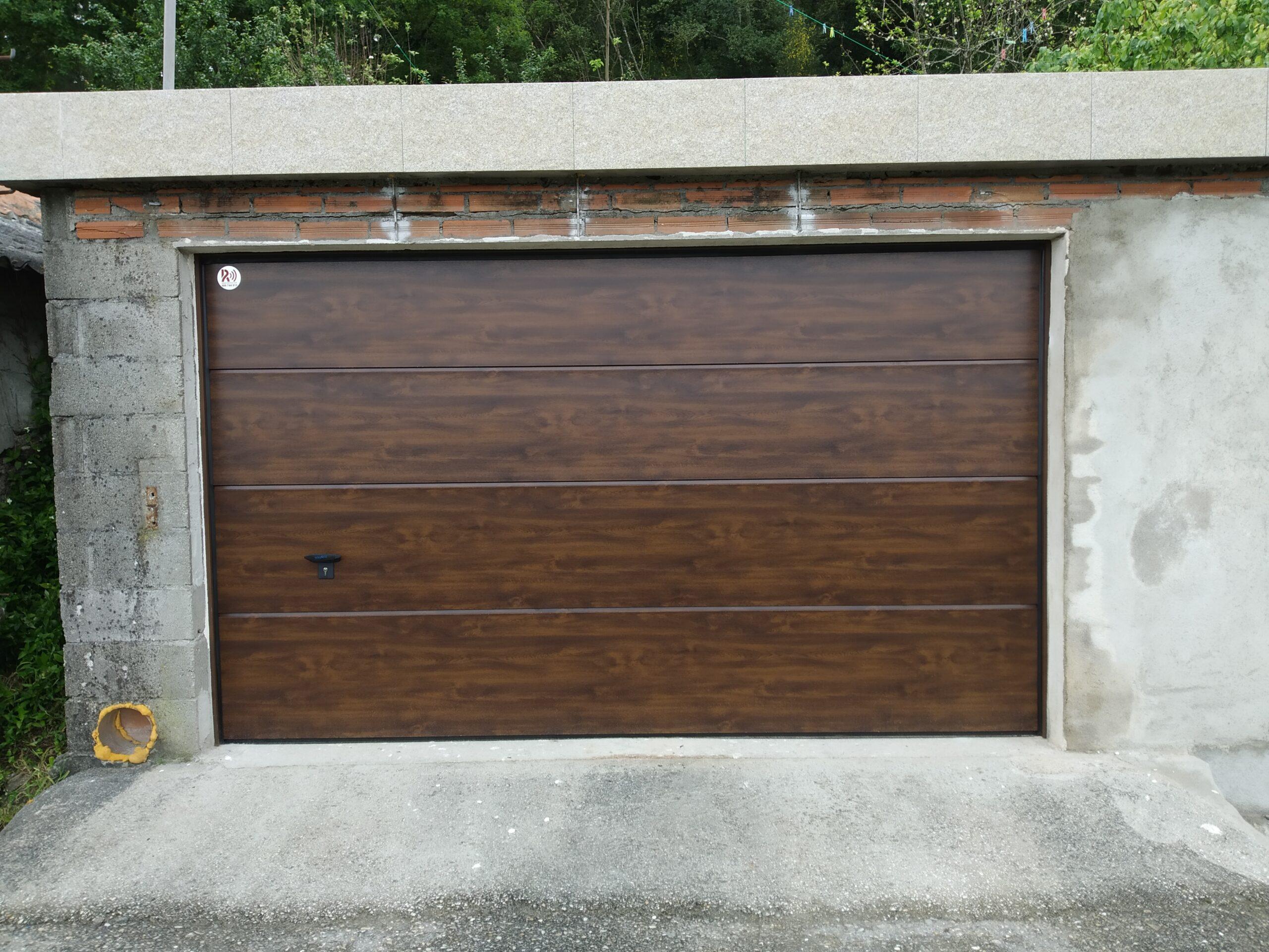 Puerta seccional Novoferm ISO-45 Nogal