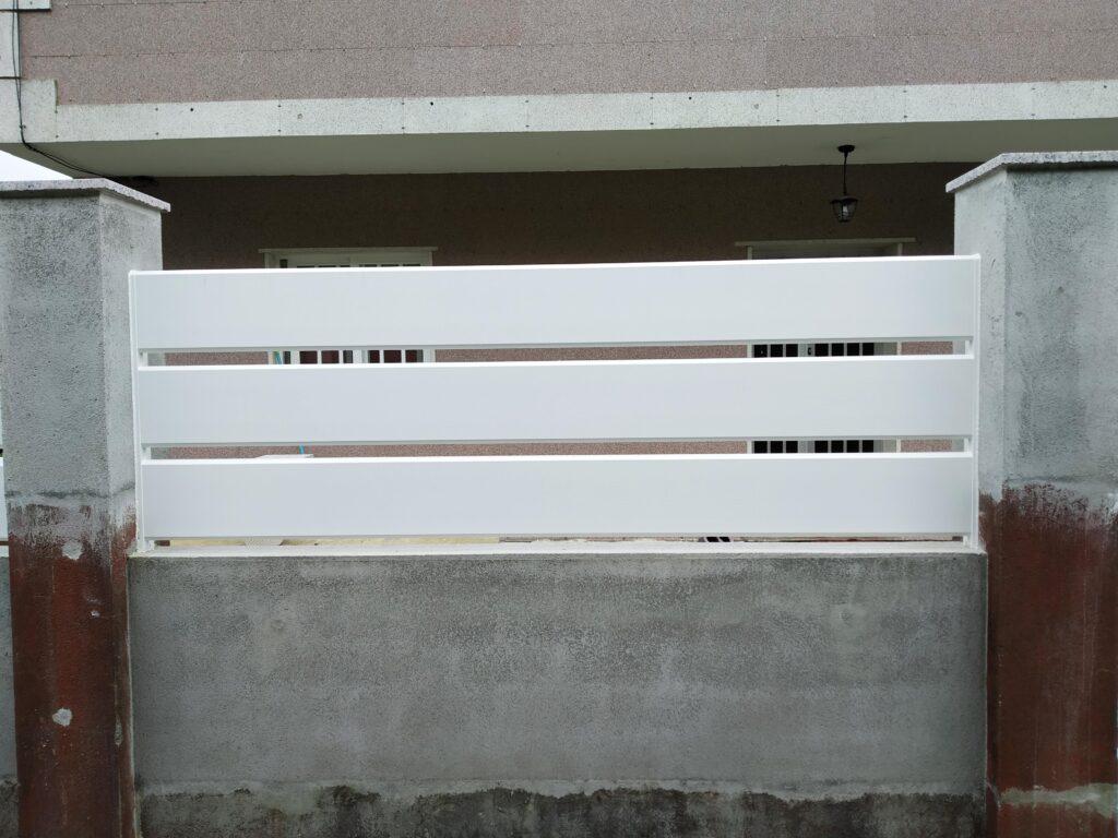 Portal abatible, puerta peatonal y vallas en Pontevedra 6