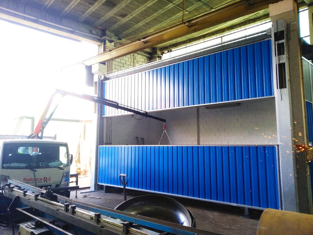 Portal contrapesado vertical y batiente industrial instalados en Vigo 2