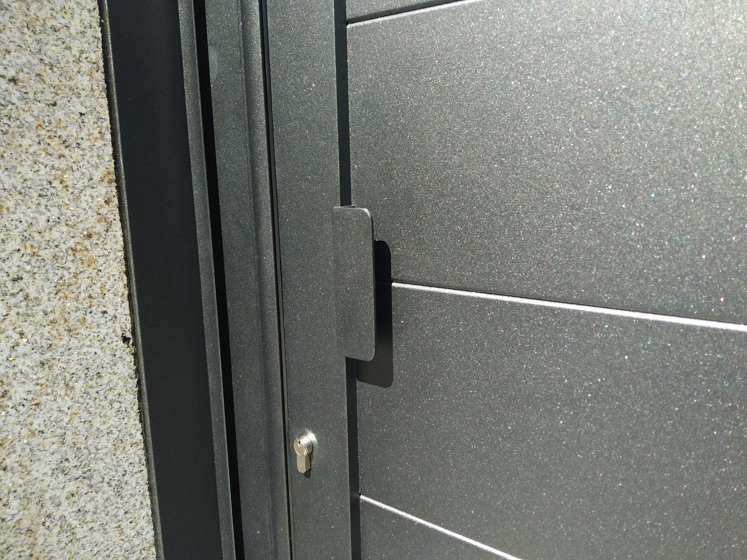 Portal de aluminio soldado en Cerponzóns (Pontevedra) 5