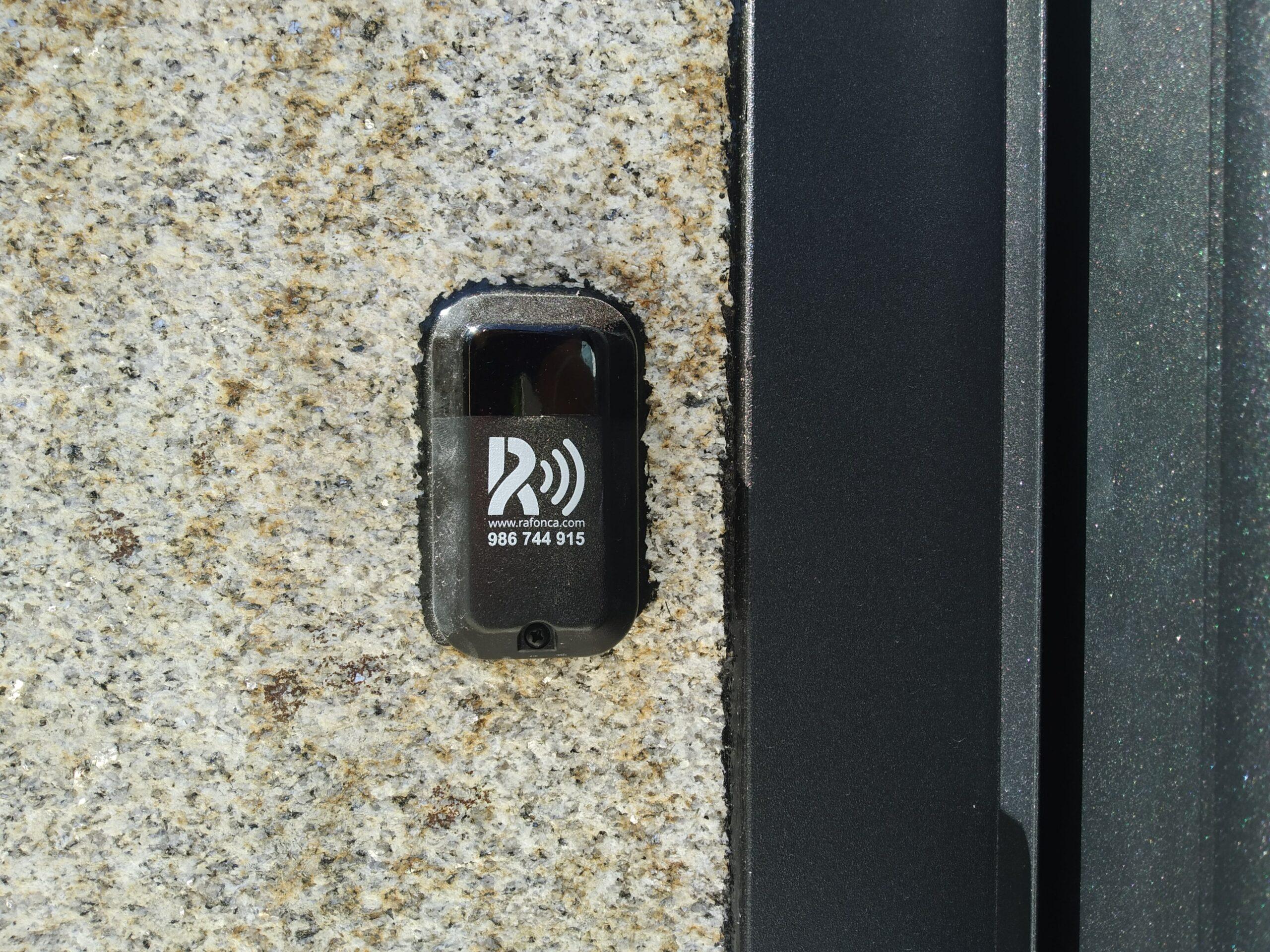 Portal de aluminio soldado en Cerponzóns (Pontevedra) 3