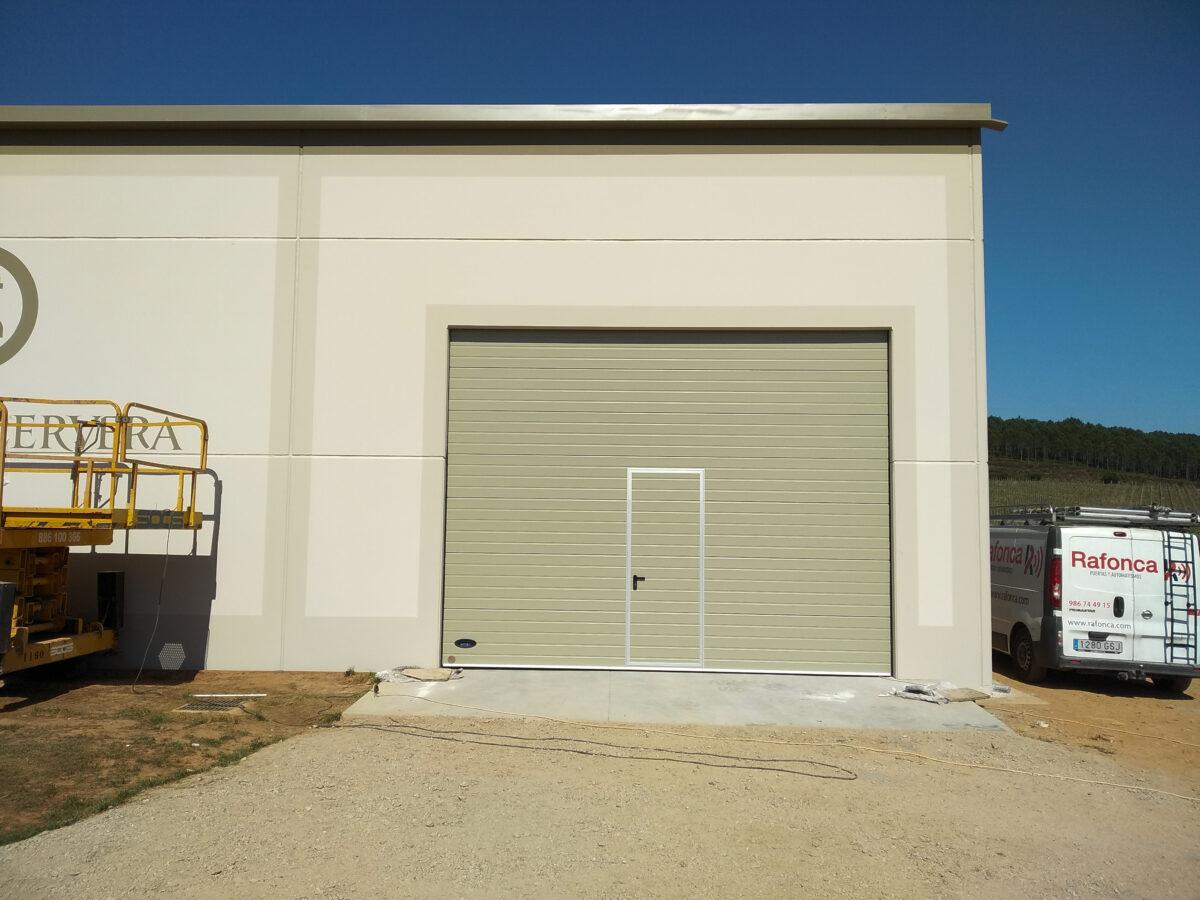 Puerta seccional industrial Novoferm