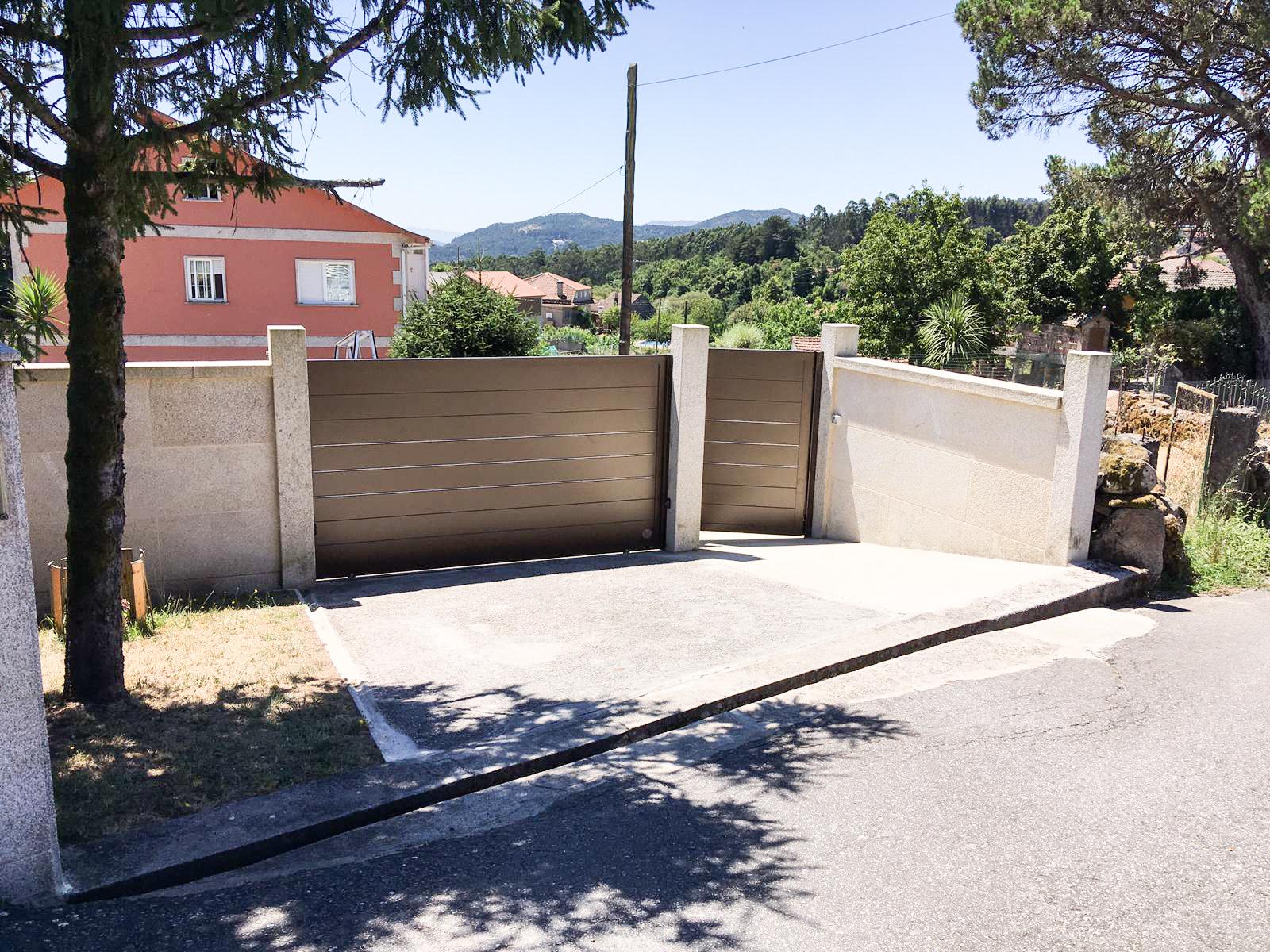 Portal corredera y peatonal
