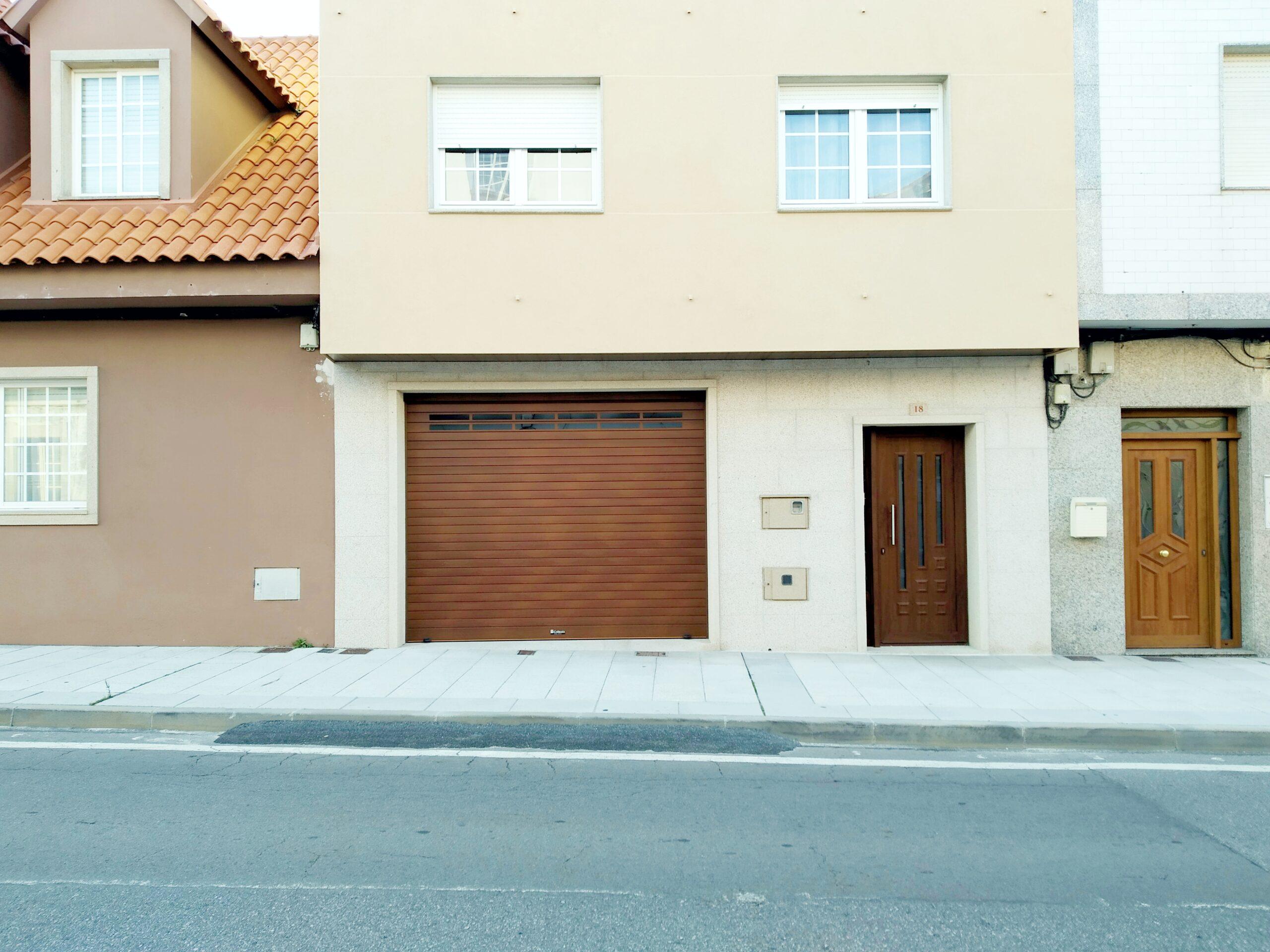 Puerta enrollable Collbaix para garaje